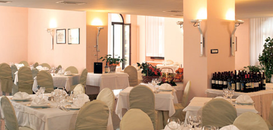 Hotel Europa, Riva, Lake Garda, Italy - breakfast room.jpg
